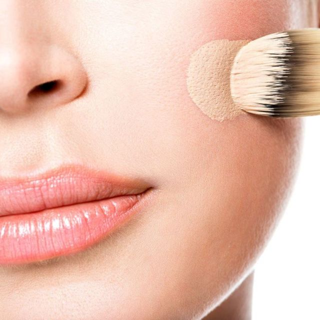 9b1bd8a47eae4f0100b355a8c508d3e6--how-to-apply-foundation-foundation-brush